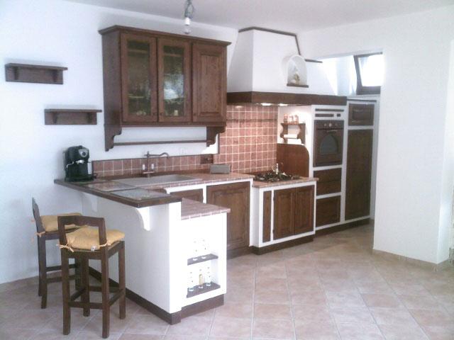 F a t falegnameria artistica toscana cucine su misura - Cucina bianca e noce ...
