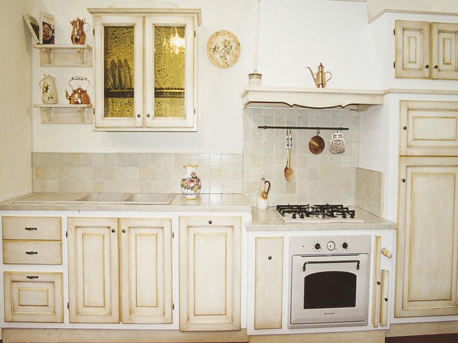F a t falegnameria artistica toscana cucine su misura - Cucina angolo cottura in muratura ...